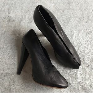 Celine Black Leather V Neck Heels Phoebe Philo 40